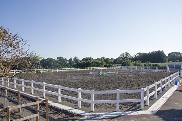 35m×70mの外馬場